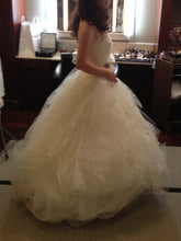 "Load image into Gallery viewer, Vera Wang ""Helena"" - Vera Wang - Nearly Newlywed Bridal Boutique - 6"