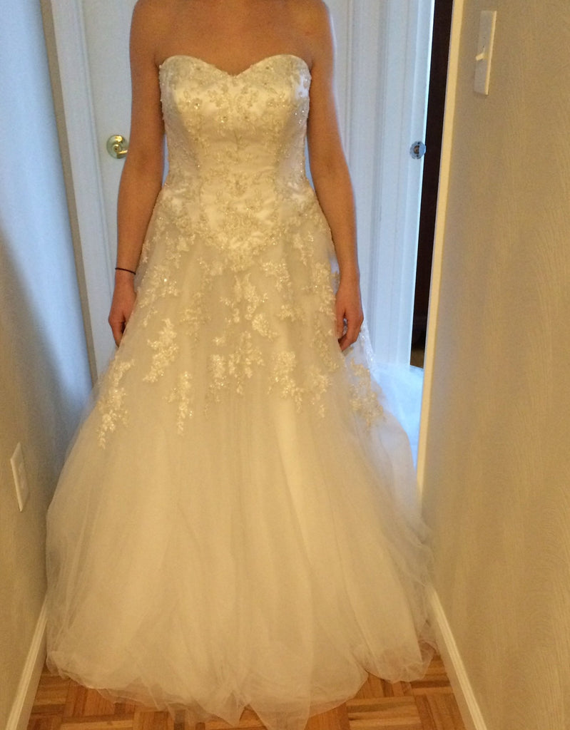Oleg Cassini 'Pure White' size 6 new wedding dress front view on bride