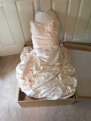 Monique Lhuillier 'Camolot' size 4 used wedding dress front view of dress in box