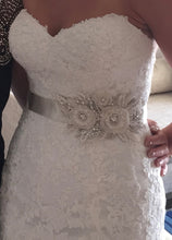 Load image into Gallery viewer, Maggie Sotttero 'Brittania' size 6 used wedding dress front view close up