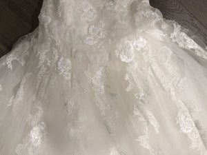 Pronovias 'Barroco' size 8 used wedding dress view of body of dress