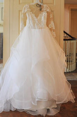 Hayley Paige 'Elysia' size 14 used wedding dress front view on hanger