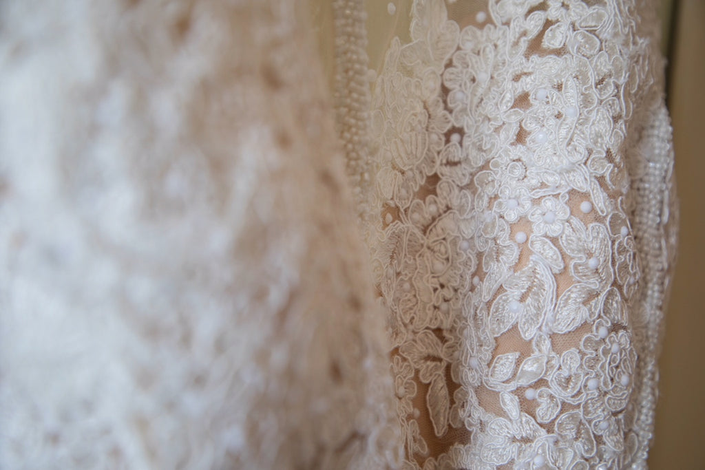 Jacquelin Exclusive '19018' size 14 used wedding dress view of fabric