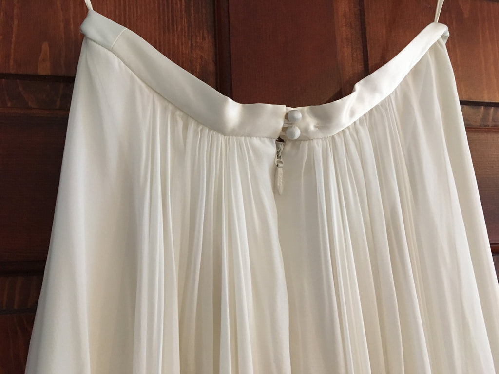 Catherine Deane 'Skirt' size 6 new wedding dress back view of waistband