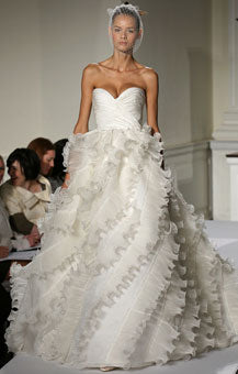 Oscar de la renta used and preowned wedding dresses nearly newlywed oscar de la renta sweetheart junglespirit Images