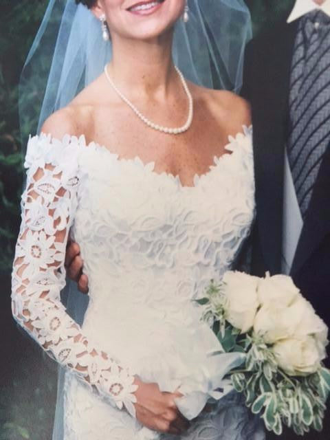 Helen Morley 'White Lace' size 6 used wedding dress front view close up on bride