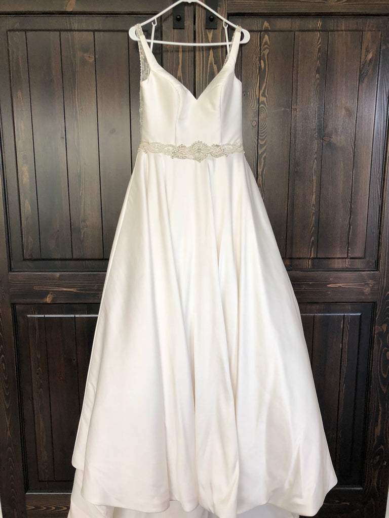 Mori Lee 'Maribella' size 12 used wedding dress front view on hanger