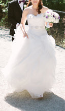 Load image into Gallery viewer, San Patrick 'Glamour collection Arosa ' - San Patrick - Nearly Newlywed Bridal Boutique - 4