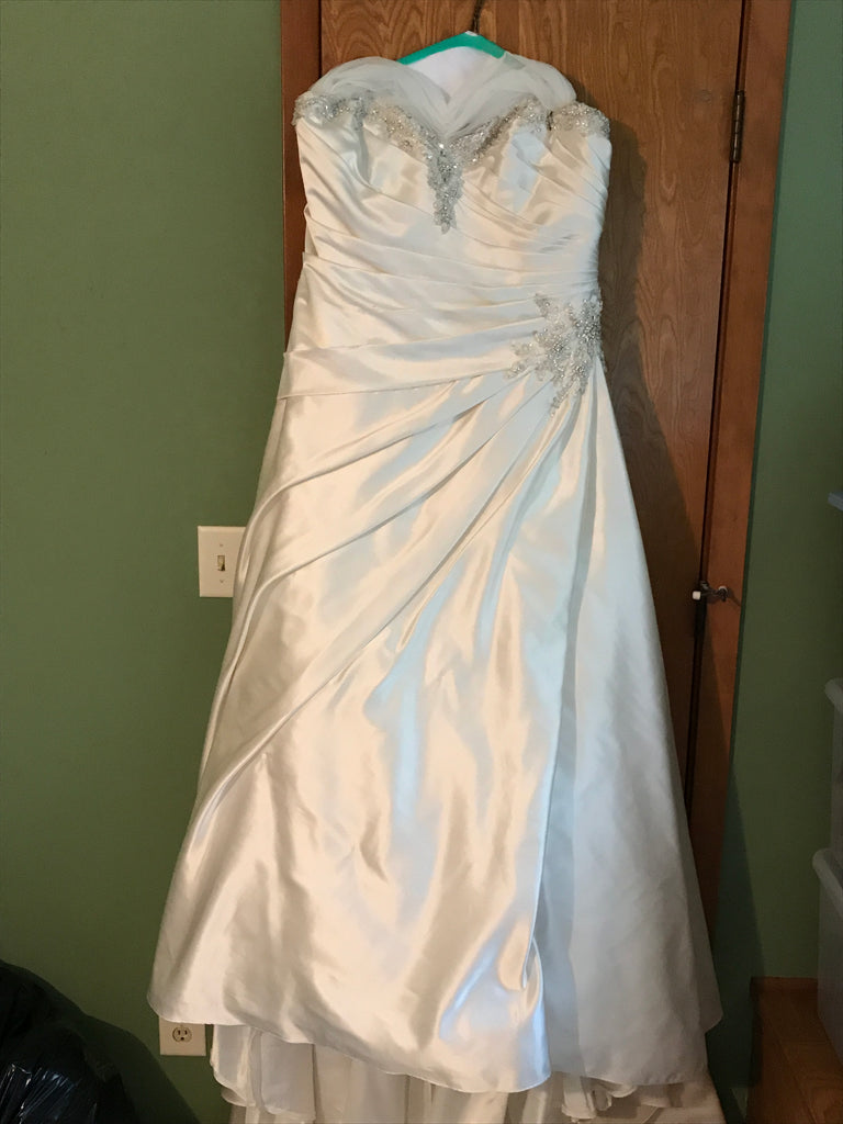 Bonny Bridal 'Ivory' size 22 used wedding dress front view on hanger