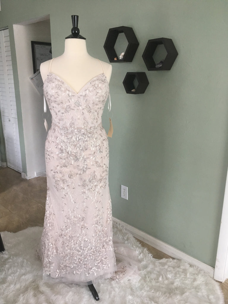 Melissa Sweet 'Embroidered and Beaded' size 14 new wedding dress front view on mannequin