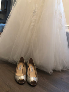 Pronovias 'Barroco' size 8 used wedding dress view of hemline