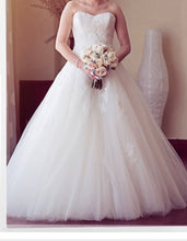 Load image into Gallery viewer, Pronovias 'Barroco' size 8 used wedding dress front view on bride