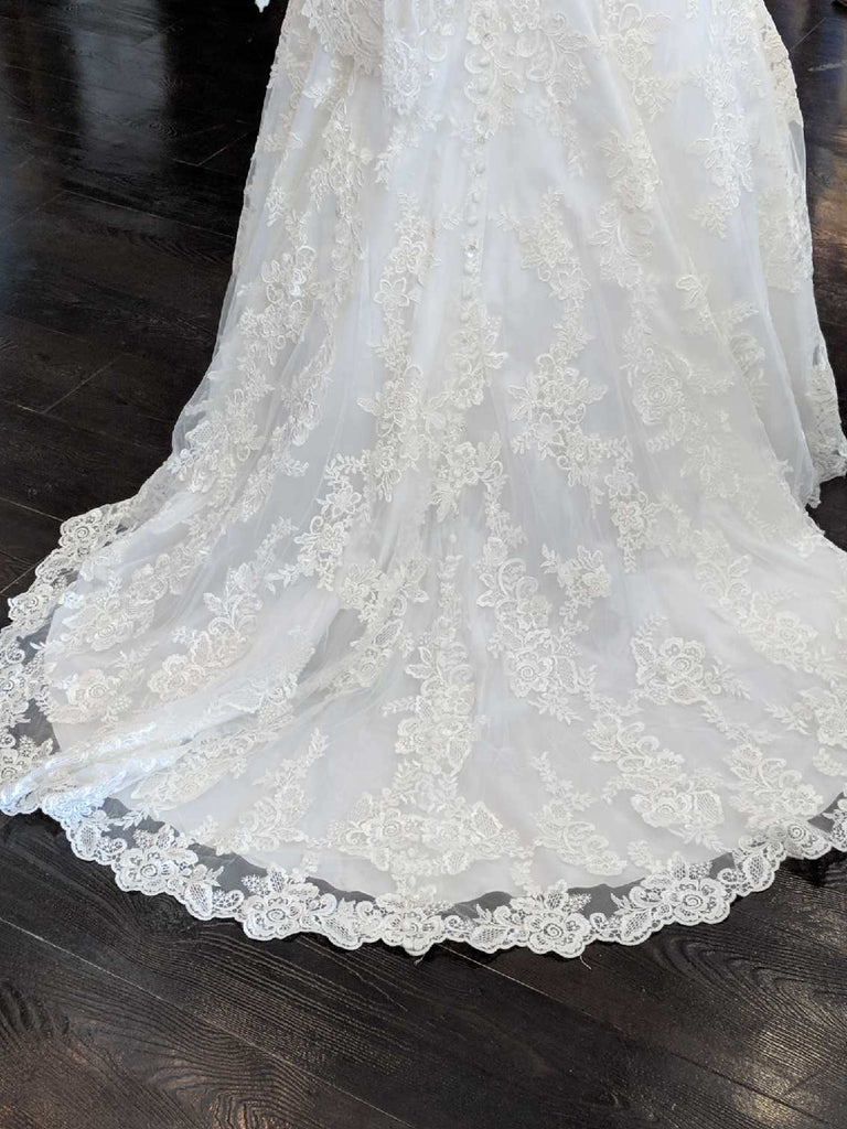 Allure Bridals '9104' size 6 new wedding dress view of train