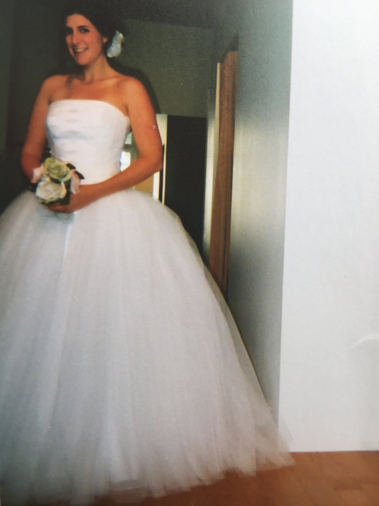 Richard Glasgow 'Tulle' size 8 used wedding dress front view on bride