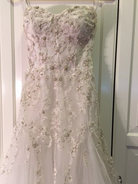Monique Lhuillier 'La Duree' - Monique Lhuillier - Nearly Newlywed Bridal Boutique - 6