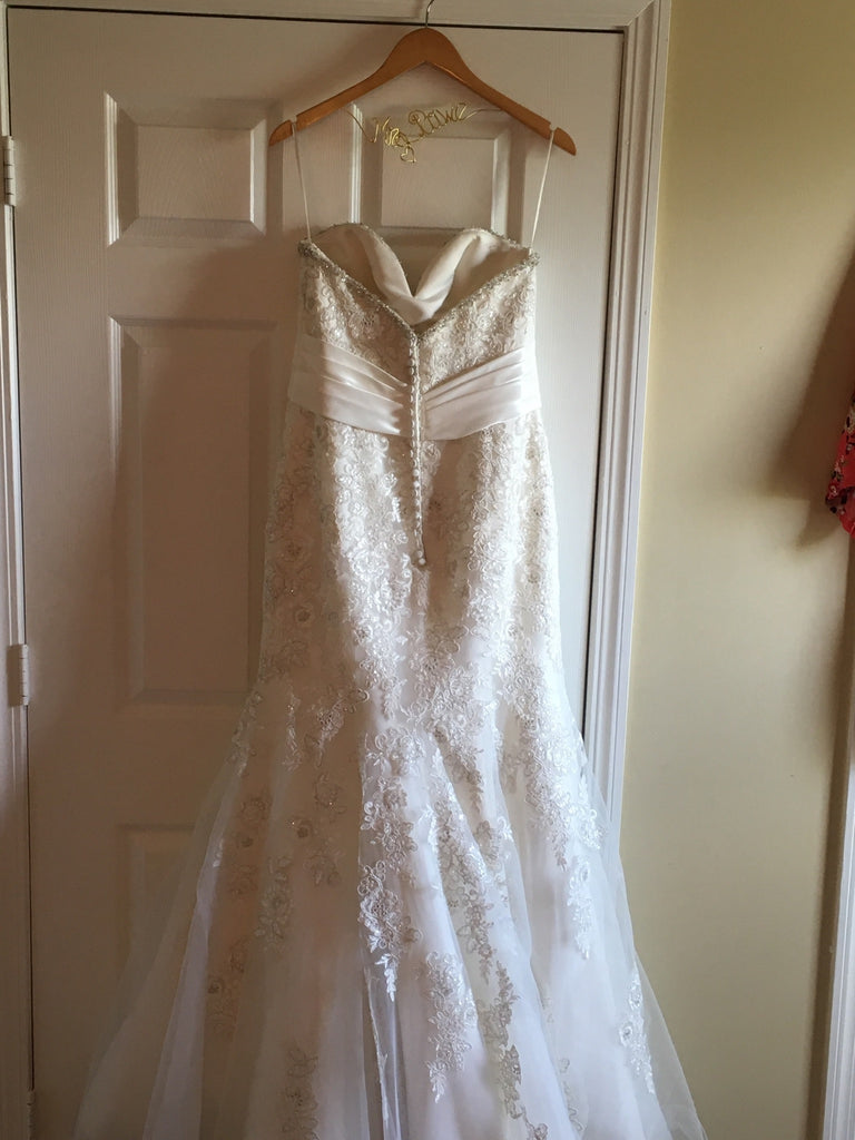 Mori Lee'1903' size 12 used wedding dress bak view on hanger