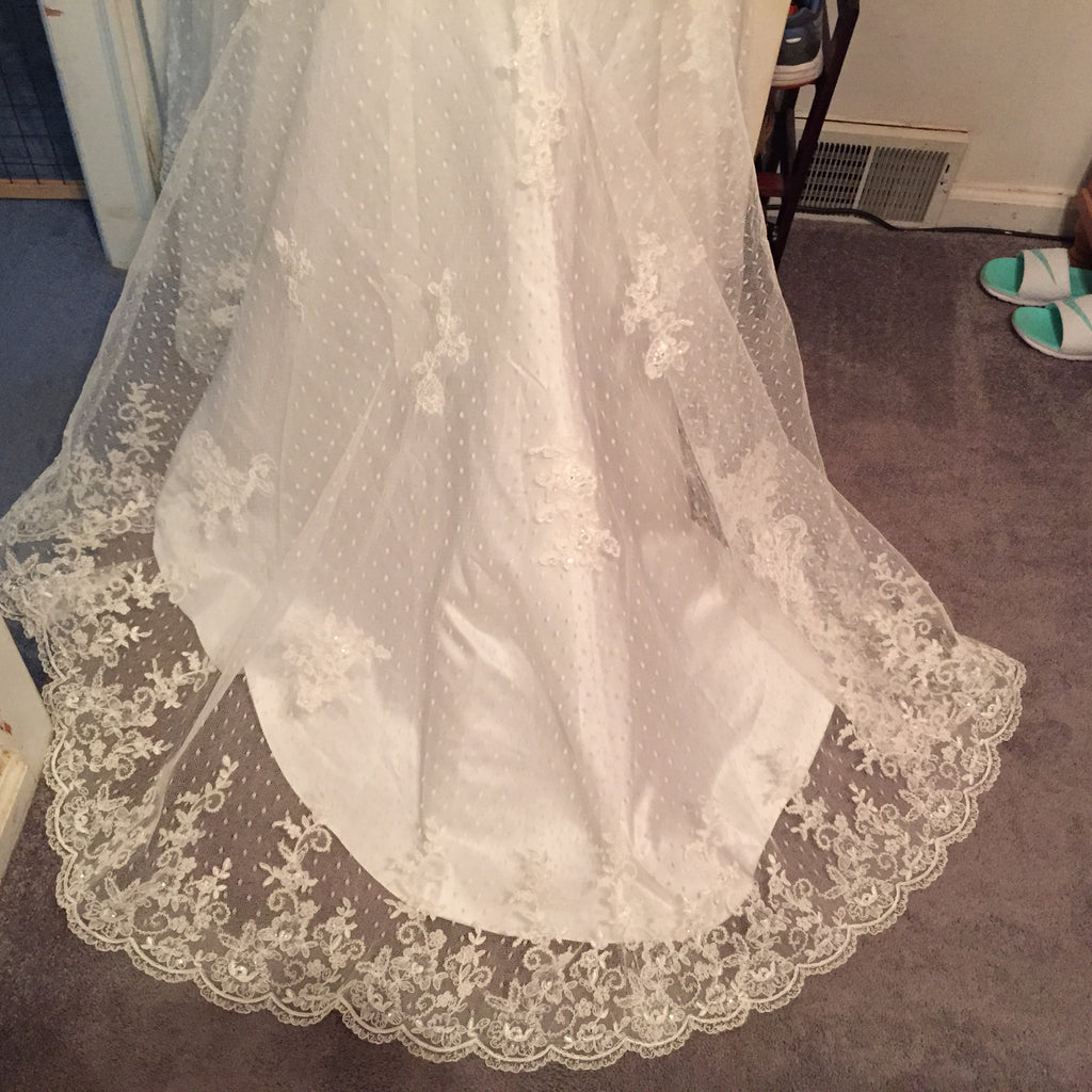 Ivory, Beaded, NWT, Size 6 - Elizabeth Ann - Nearly Newlywed Bridal Boutique - 2