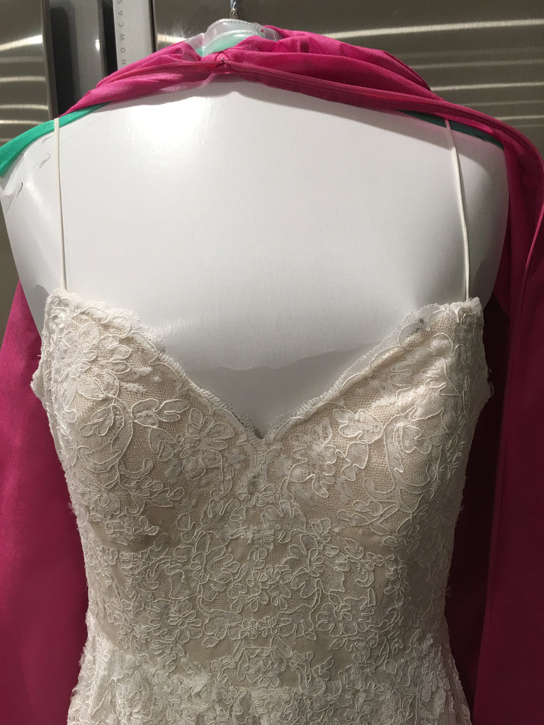 Ti Adora by Allison Webb ' 7652' size 12 used wedding dress front view of bustline