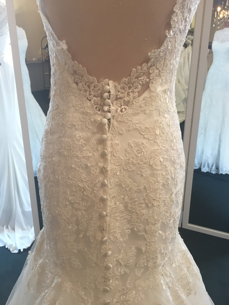 Allure Bridals '8956' - Allure Bridals - Nearly Newlywed Bridal Boutique - 5