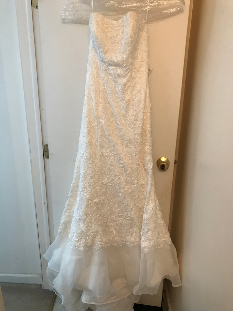 Oleg Cassini 'Elegant' size 10 new wedding dress front view on hanger