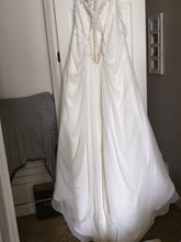 Load image into Gallery viewer, Mori Lee 'Julietta' - Mori Lee - Nearly Newlywed Bridal Boutique - 5