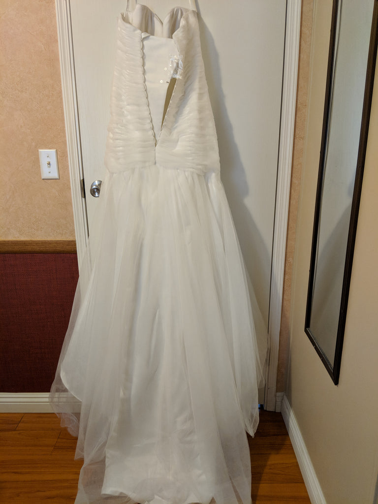 David's Bridal 'Strapless Sweetheart' size 12 new wedding dress back view on hanger