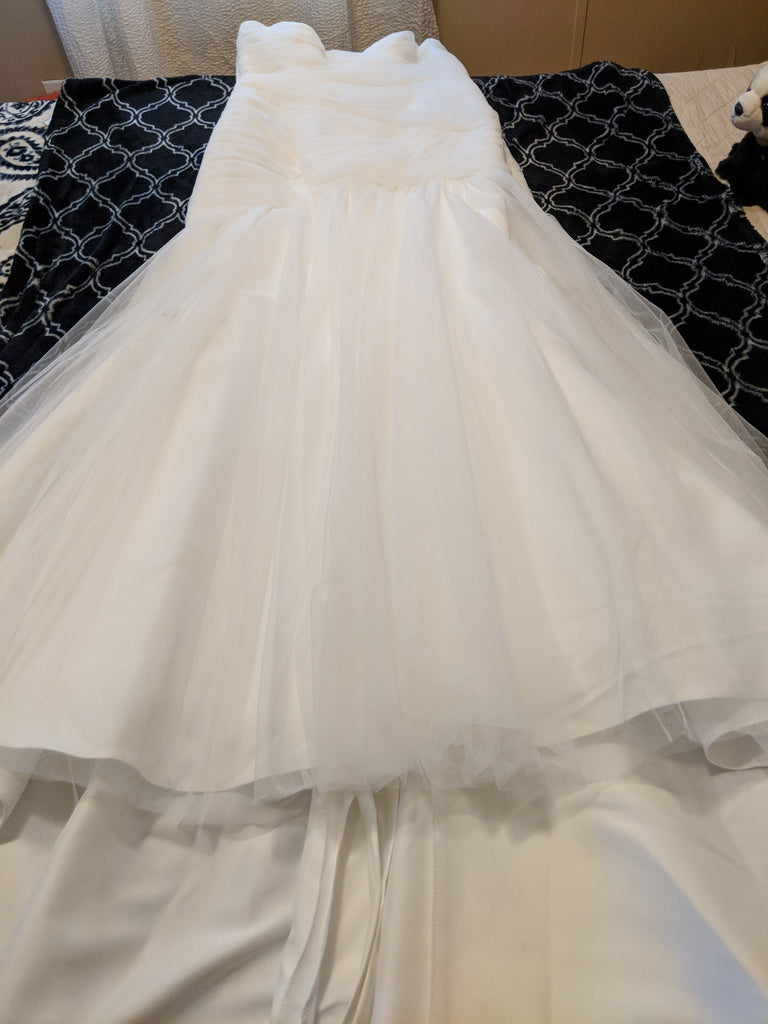 David's Bridal 'Strapless Sweetheart' size 12 new wedding dress front view flat