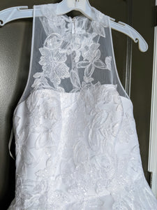 Vera Wang White 'Illusion Floral' size 4 new wedding dress front view close up