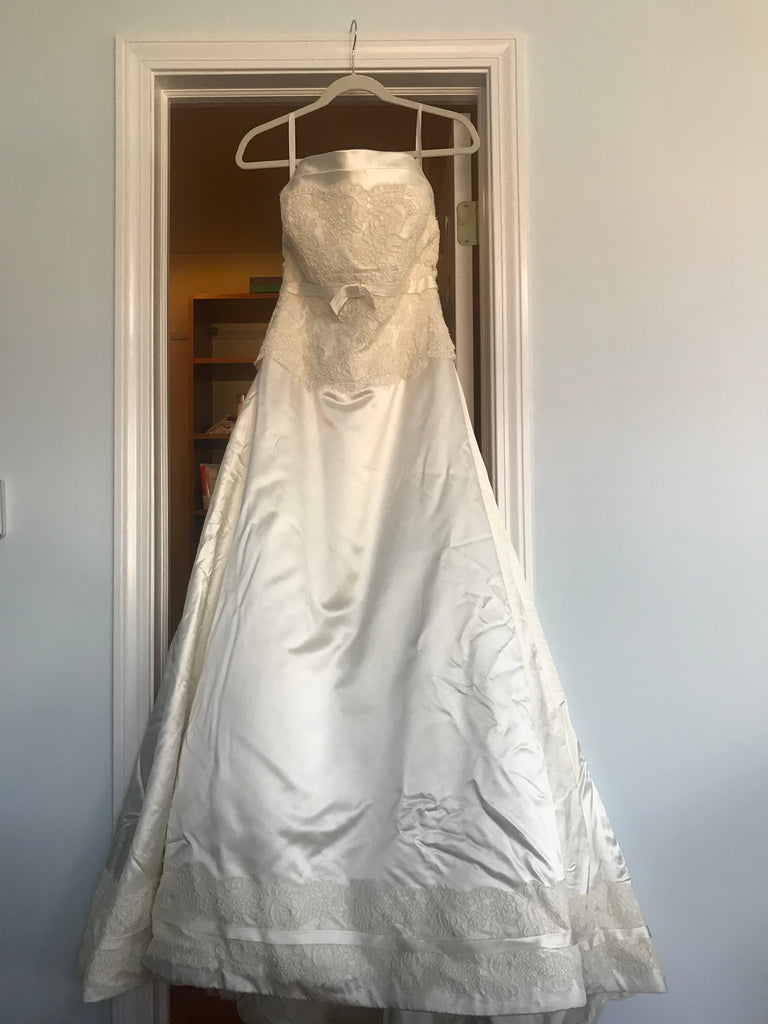 Rivini \'Off White Silk\' size 8 used wedding dress - Nearly Newlywed