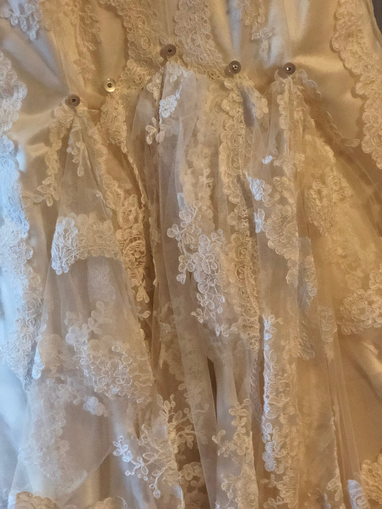 Stella York 5840 Size 2 Used Wedding Dress Nearly Newlywed