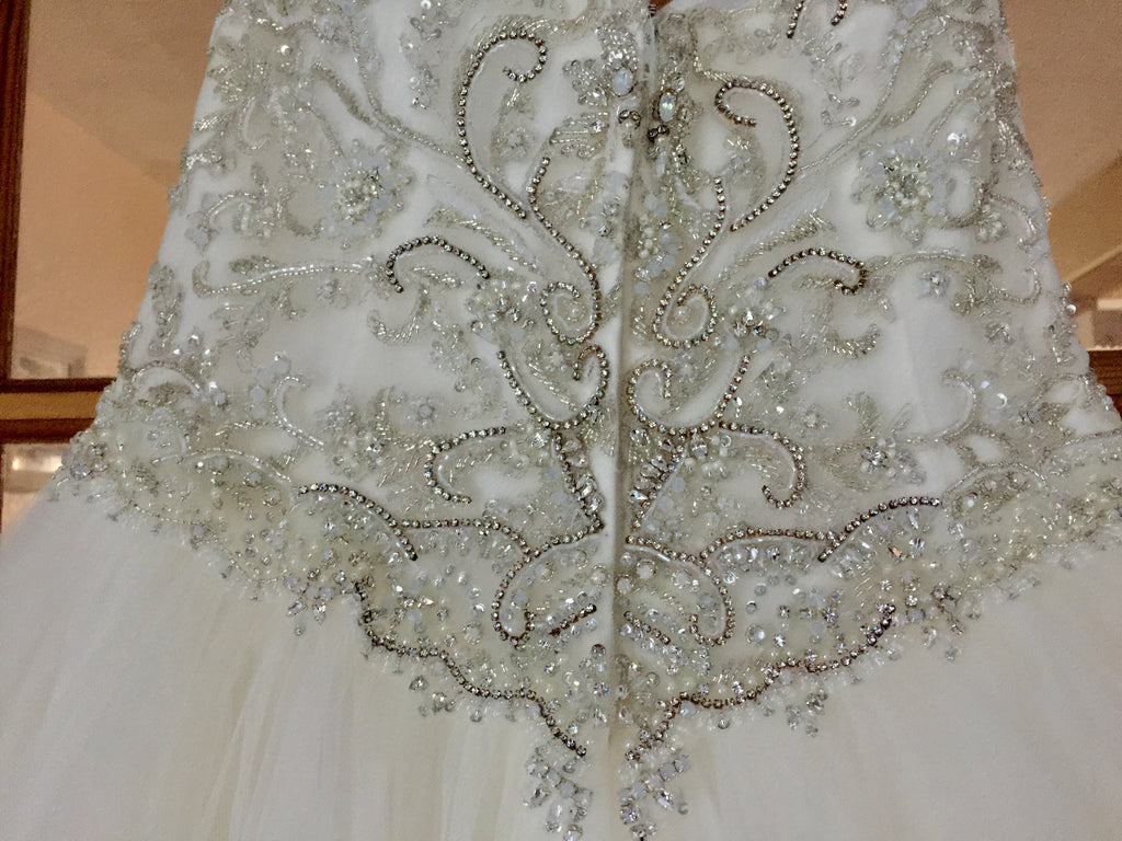 Casablanca 'Sea Breeze' size 6 new wedding dress close up of back view