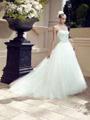 Casablanca 'Sea Breeze' size 6 new wedding dress side view on model