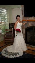 Load image into Gallery viewer, Stella York '5786' - Stella york - Nearly Newlywed Bridal Boutique - 6