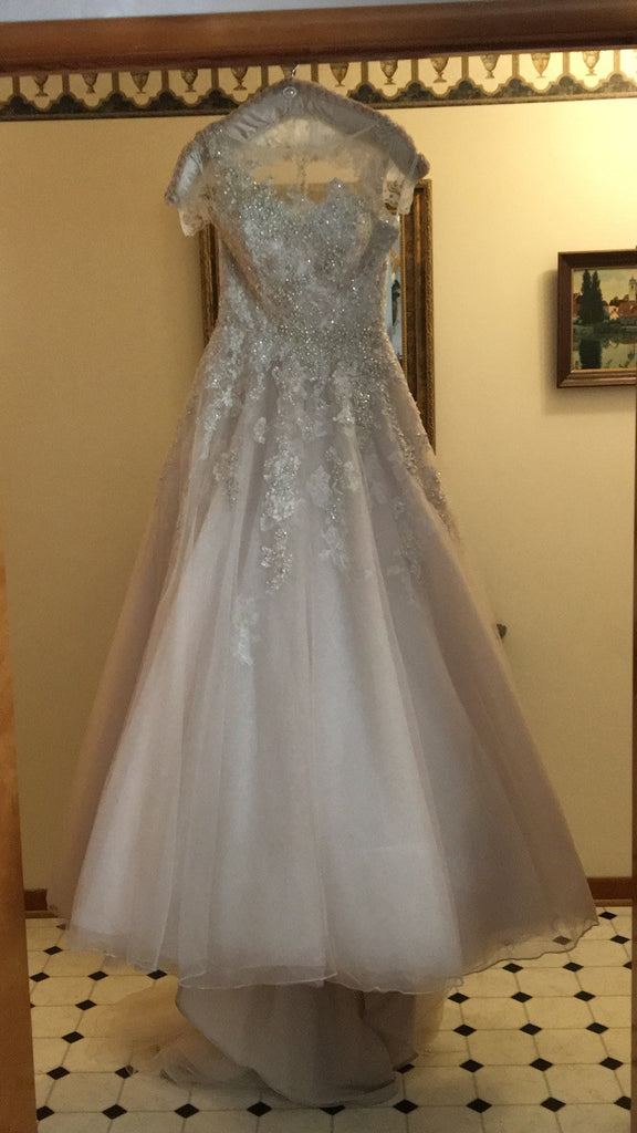 Justin Alexander '8726' size 10 used wedding dress front view on hanger