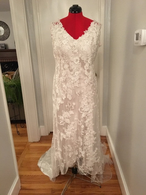 Allure Bridals 'Allure' - Allure Bridals - Nearly Newlywed Bridal Boutique - 6