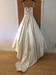 Allure 'Ballgown' size 4 new wedding dress back view on hanger