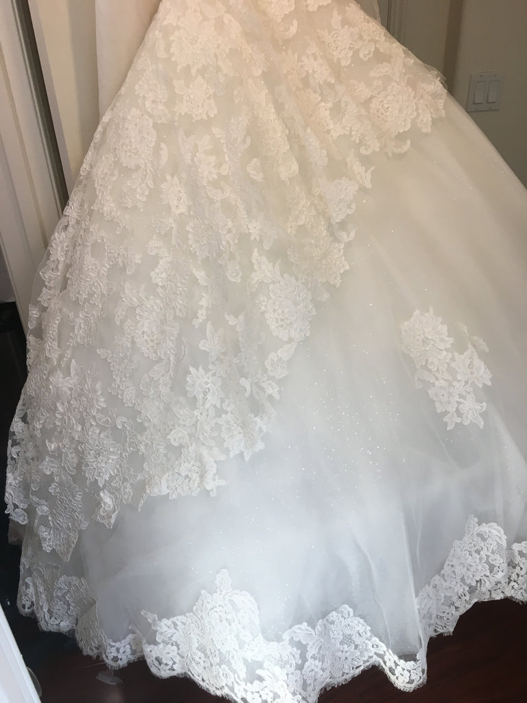 Ines Di Santo 'Estee' size 4 used wedding dress view of body of dress