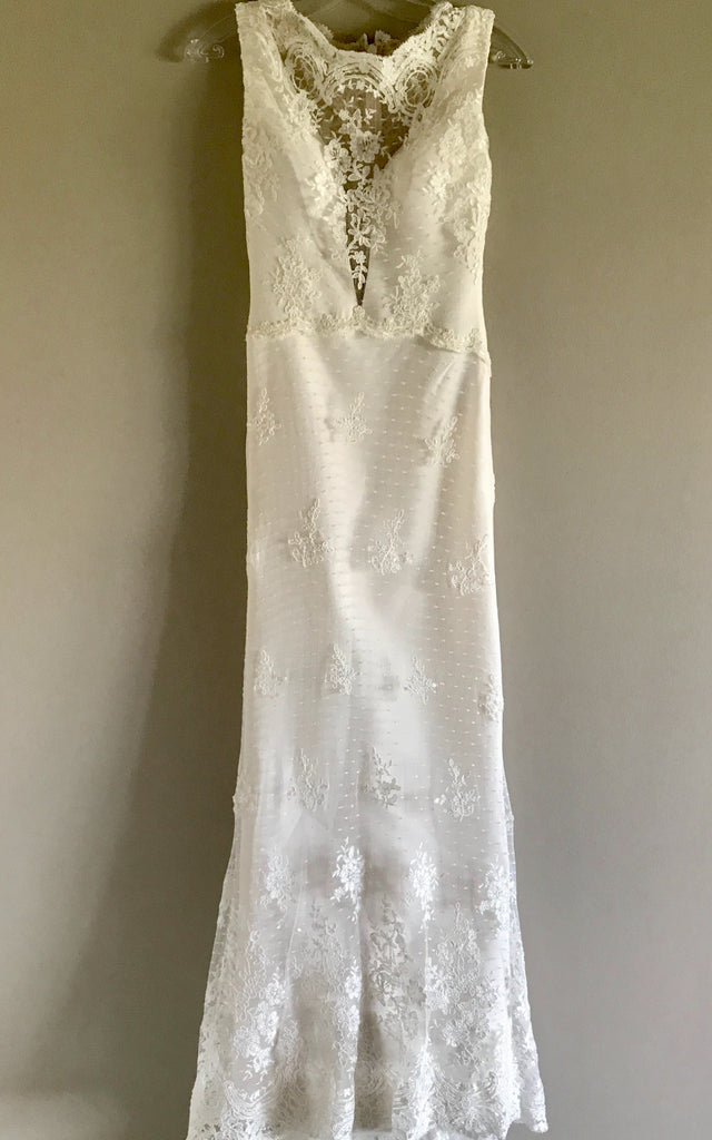 Romona Keveza 'L6139' size 2 new wedding dress front view on hanger
