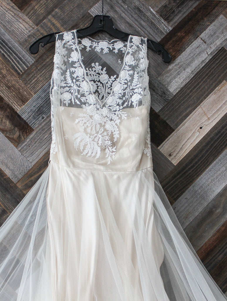BHLDN 'Onyx' size 4 new wedding dress front view close up