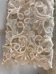 Severin 'Lace' size 4 used wedding dress close up of lace
