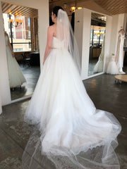 Allure Bridals '2915' size 4 new wedding dress back view on bride