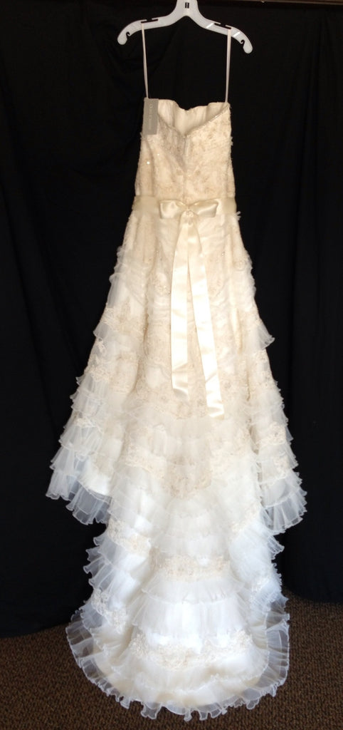Oleg Cassini 'Oleg Cassini' - Oleg Cassini - Nearly Newlywed Bridal Boutique - 5
