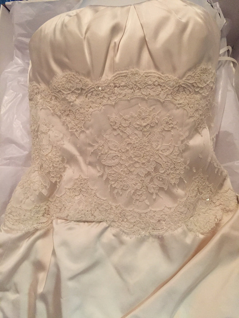 Judd Waddell '3080 Neckline' - Judd Waddell - Nearly Newlywed Bridal Boutique - 2
