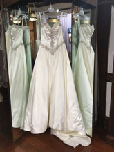 Load image into Gallery viewer, Mori Lee '2703' - Mori Lee - Nearly Newlywed Bridal Boutique - 1