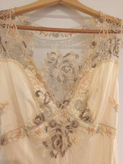 Clarie Pettibone 'Custom' size 6 used wedding dress front view close up