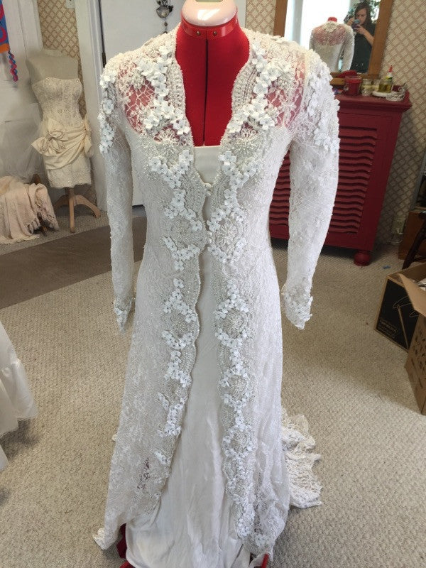 Badgley Mischka 'Elegant Lace' - Badgley Mischka - Nearly Newlywed Bridal Boutique - 4