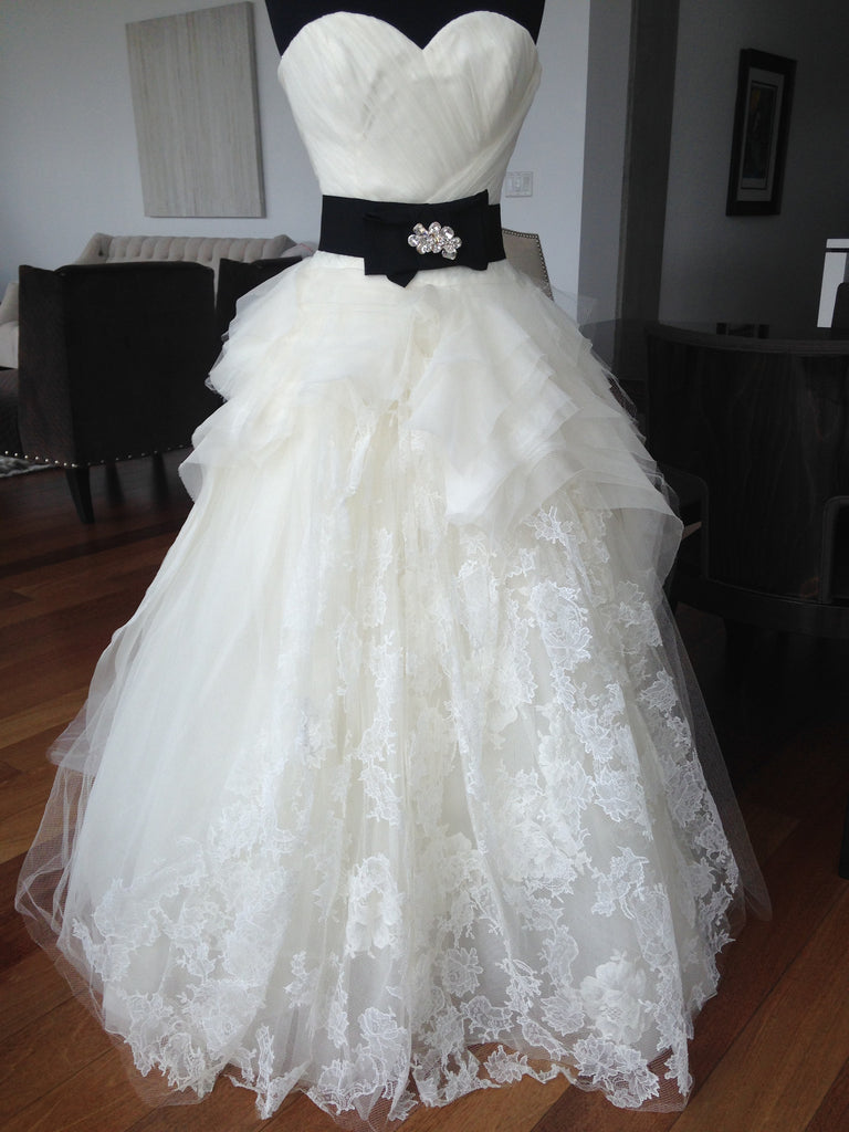Vera Wang 'Sweetheart' - Vera Wang - Nearly Newlywed Bridal Boutique - 3