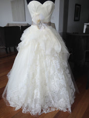 Vera Wang 'Sweetheart' - Vera Wang - Nearly Newlywed Bridal Boutique - 4