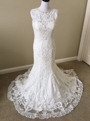 Allure Bridals 'C311' size 8 new wedding dress front view on mannequin