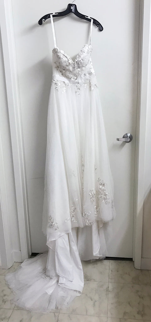 Alfred Angelo 'Modern Vintage' size 2 new wedding dress front view on hanger